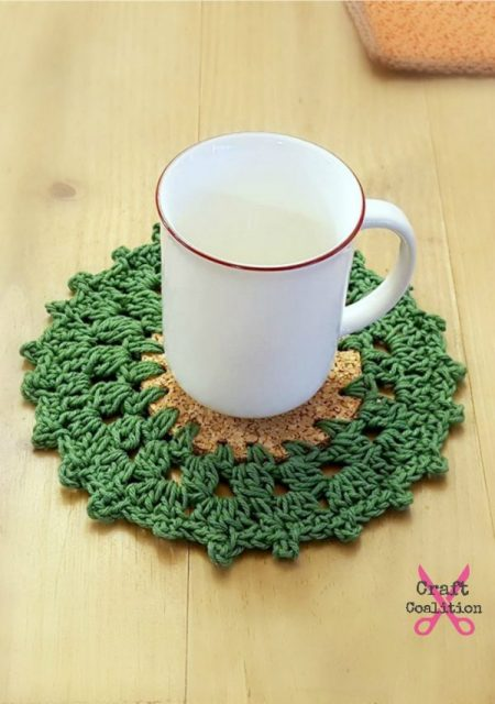 Holly Wreath Coaster Crochet Pattern by Mistie Bush, CraftCoalition.com