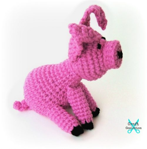 Lil Flying Pig Amigurumi | Free Crochet Pattern | Craft Coalition @craftcoalitiion.com #freecrochetpattern