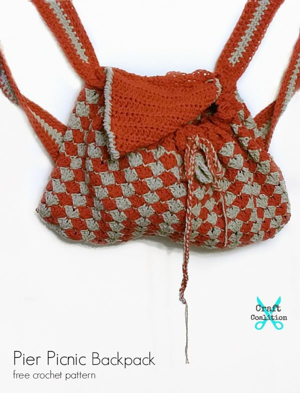 Pier Picnic Backpack | Free Crochet Pattern | Craft Coalition @craftcoalition.com #freecrochetpattern